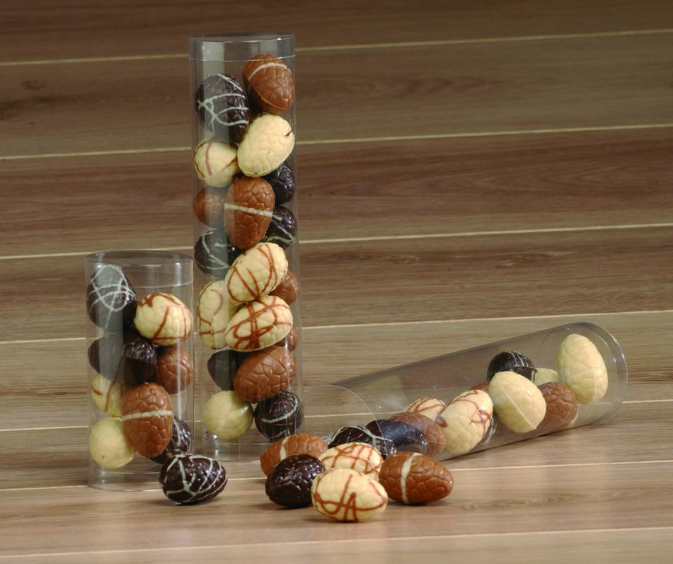 Chocolade paaseitjes in koker